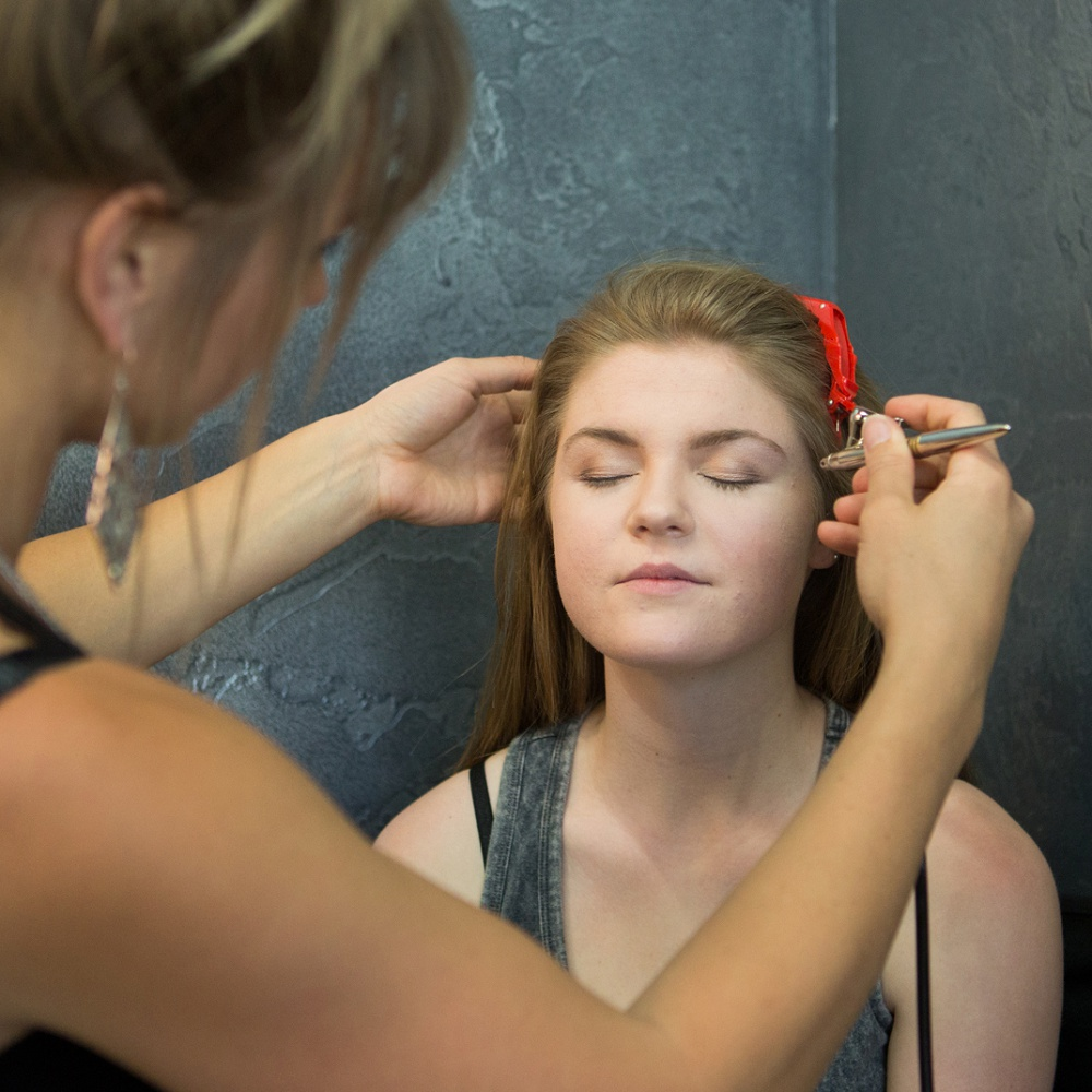 Pro-makeup-and-hair-for your-high-school-pics